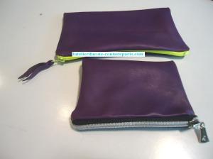 Pochette-zippee en cuir 002